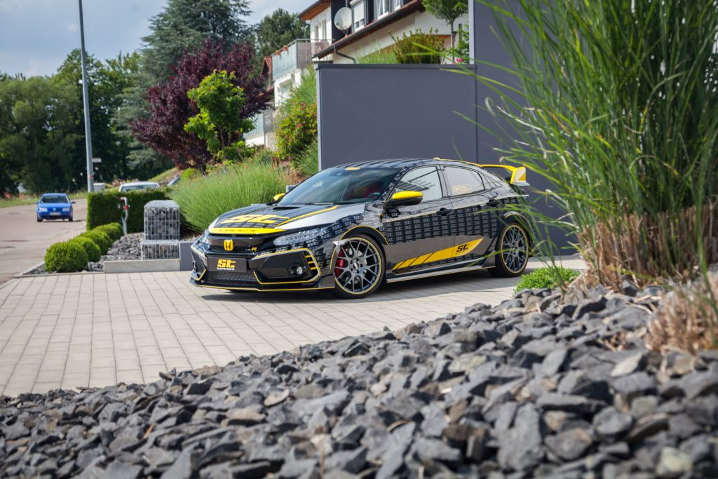 The St Xta Coilover Makes The Honda Civic Type R Fc An Uncompromising Cornering Acrobat Autoclinic Group
